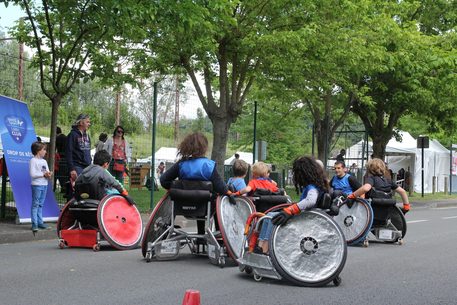 Initiation au rugby fauteuil
