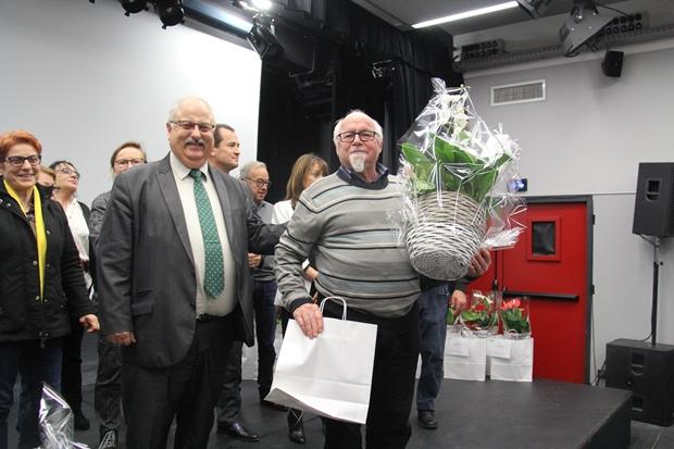 Le 1er prix de la catégorie Jardin remis à monsieur Ovejero