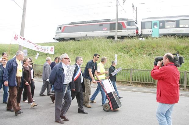 Manifestation du 12 mai 2007 pour défendre les droits des riverains du chantier RFF