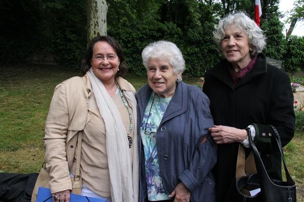 Mmes Claudine PUYBARAUD née BIAL DE BELLERADE et Reine BIAL DE BELLERADE, filles de Benjamin Bial de Bellerade avec Carole Lemée