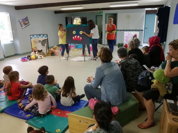 Du théâtre par les animatrices de la crèche la Cigale, du multi accueil ABC et le Relais d'Assistantes Maternelles / Parents Enfants