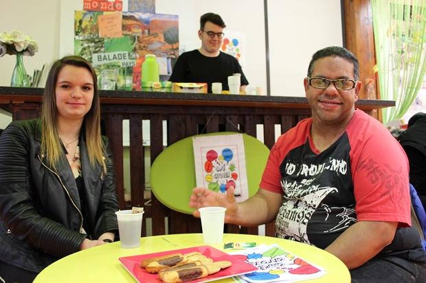 Nordine et Noémie lors d'un café citoyen d'avril 2018