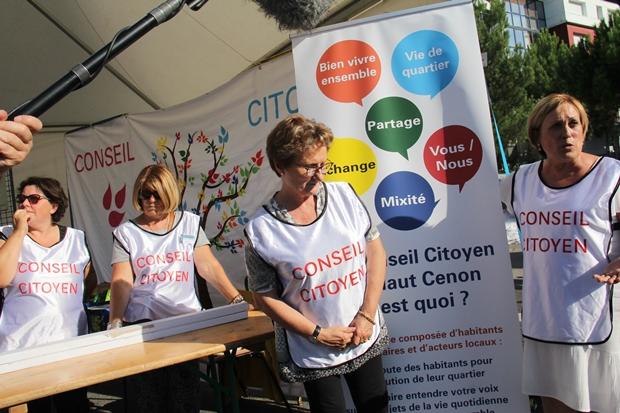 Et le Conseil citoyen du haut Cenon en pleine action d'information !