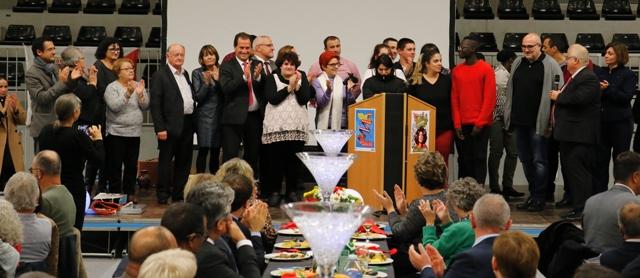 Applaudissements et félicitations pour les 9 apprentis cuisiniers.e.s et leurs 4 professeurs de l'Institut d'Enseignement Supérieur Fuente Fresnedo de Laredo