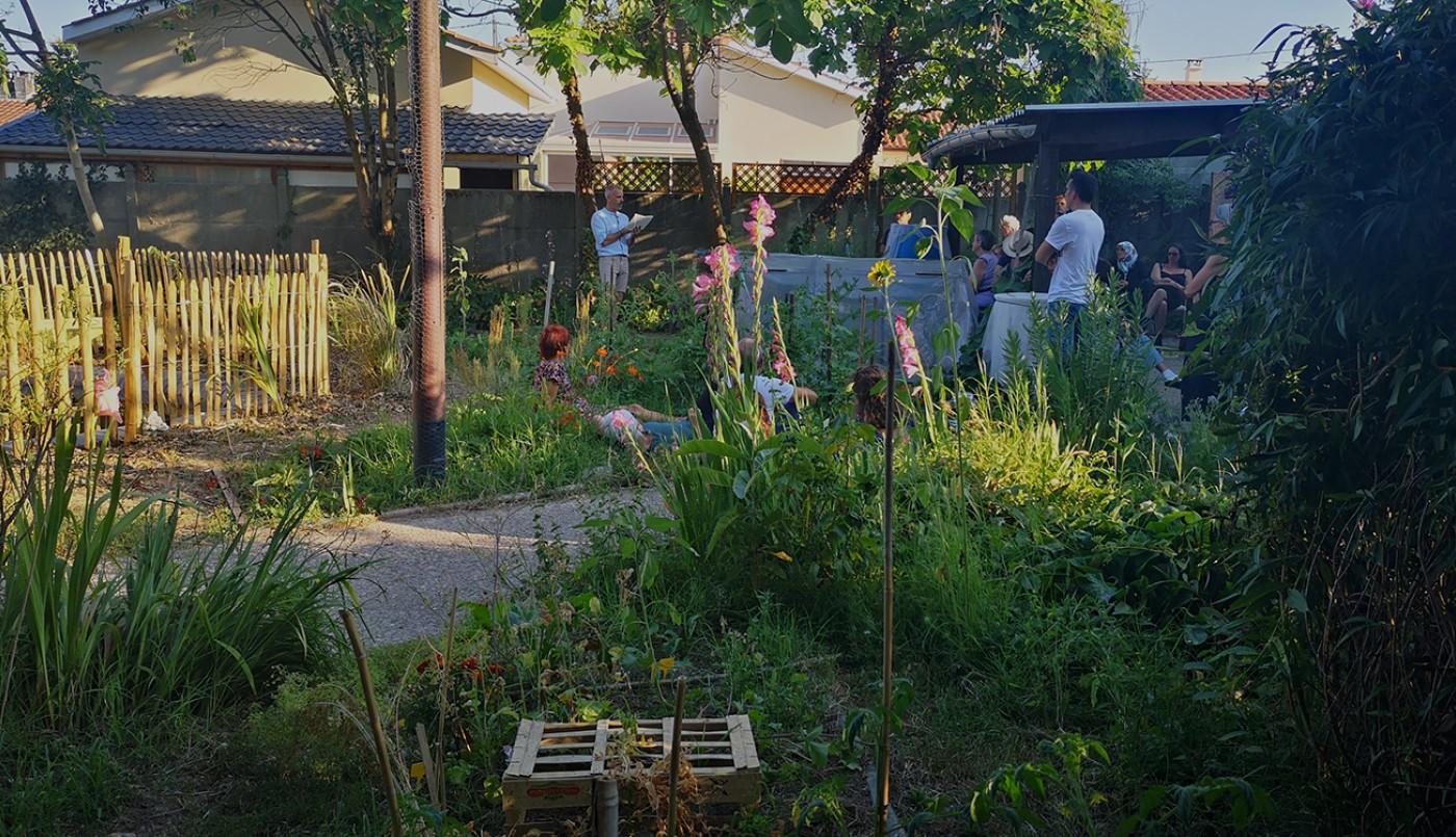 Lecture INSITU : «Sur les chemins noirs» du jardin des 1001 feuilles