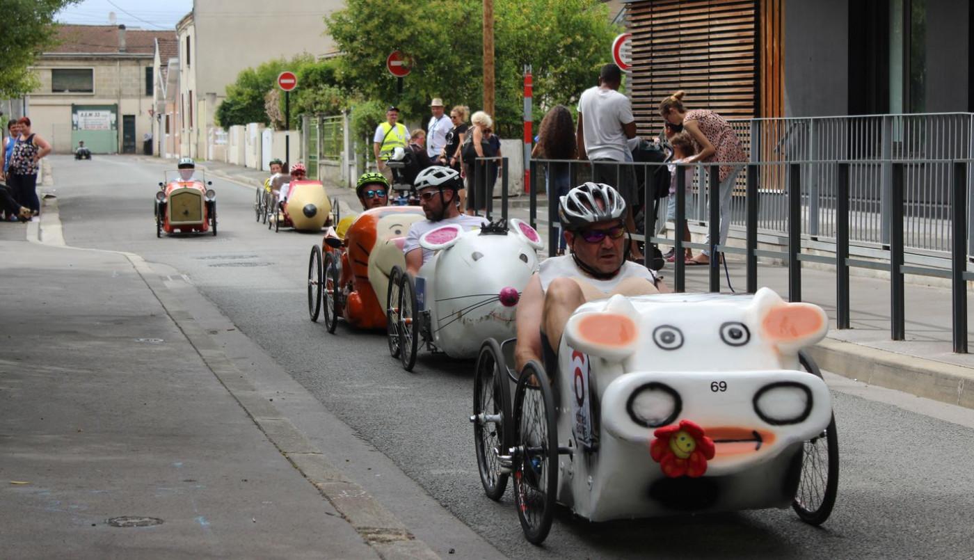 Août : Championnat de France de voitures à pédales