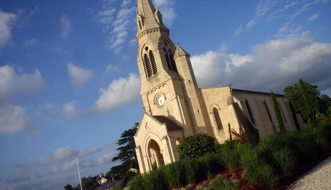 Saint Romain : aménagement du jardin du souvenir