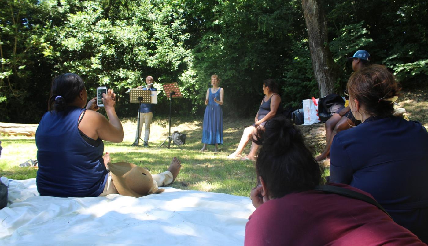 La voix de Véronique, voie de médiation culturelle et artistique